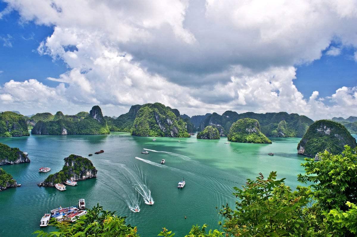 德天瀑布下龙湾畅享6天 >中越跨国大瀑布,下龙湾越南天堂岛,越南首都